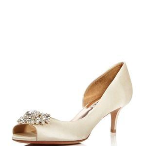  ✨Women's Macie Satin Embellished Heel